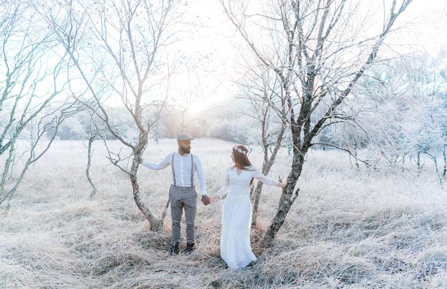 Brautpaar im Winter