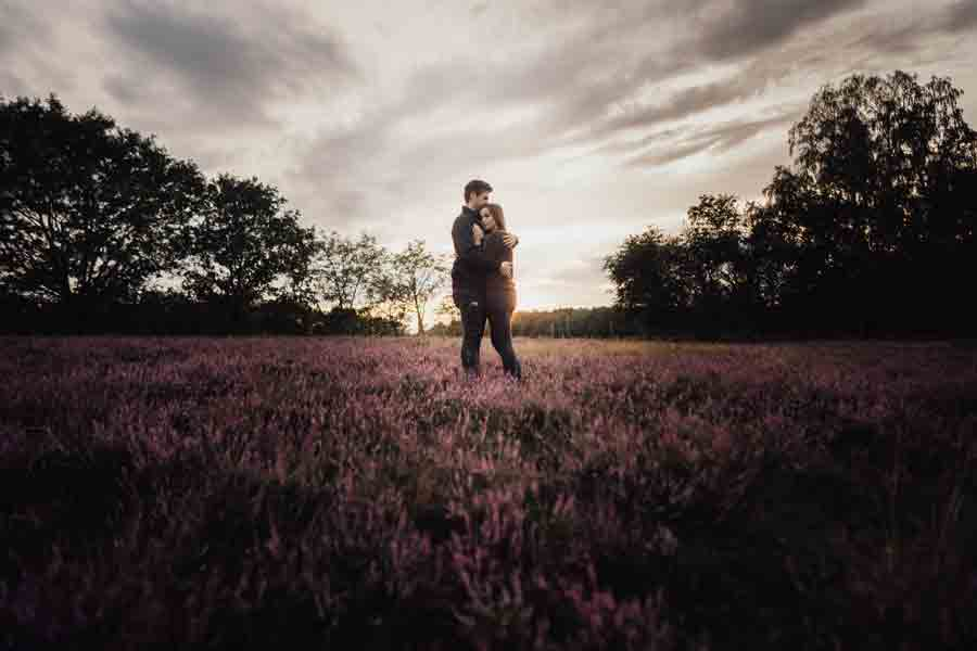 Brautpaar in der Heide